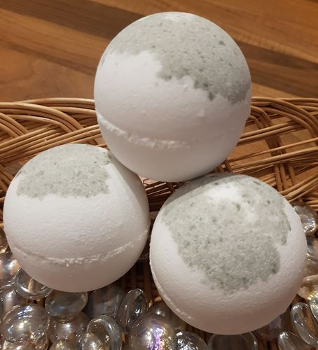 Coconut Bath Bomb with Coconut Oil