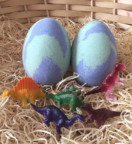 Dinosaur Egg Bath Bomb - Toy Dinosaur Inside