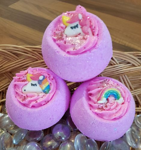 Unicorns & Rainbows Bath Bomb with Shea Butter