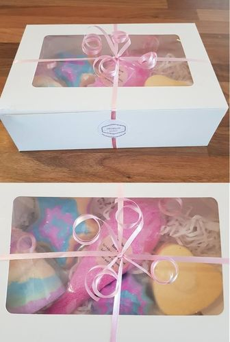Children's Gift Set - Includes 4 Bath Bombs and 1 Bath Dust