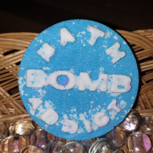 Bath Bomb Addict Bath Bomb - Blue & White